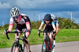 Savannah Hewson pushing ahead at Moose.eu Hillingdon Crits (photo: John Orbea)