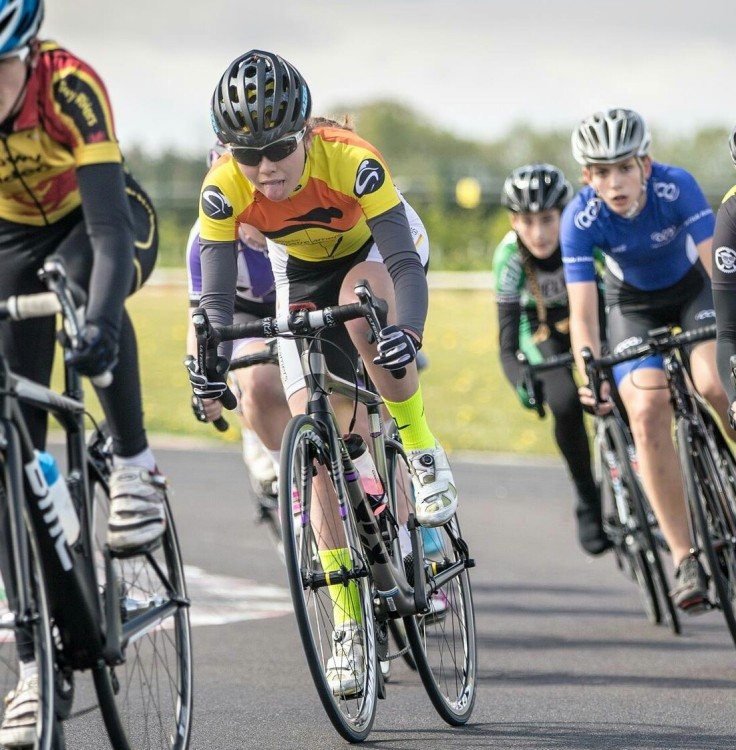 Zoe Brookes riding for Hillingdon Slipstreamers (photo: Huw Williams)