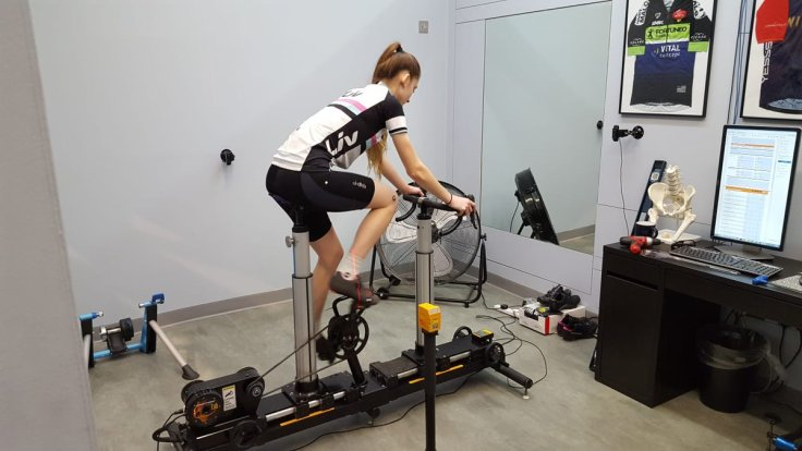 Cyclefit providing fitting service for Lauren on her new Liv Envie