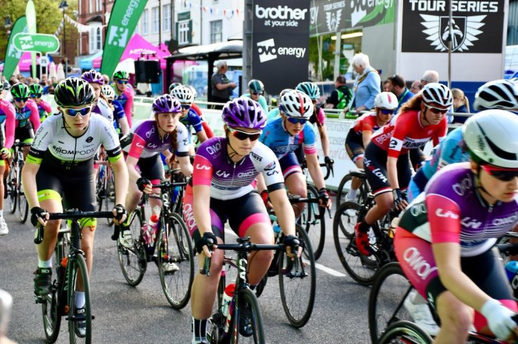 Admiral Liv AWOL team train at start of race - OVO Tour Series Redditch 2018 (photo: John Scale)