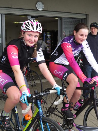 Harley and Charlotte warm down - Monument Spring Crits 2018 (photo: Phil Moir)