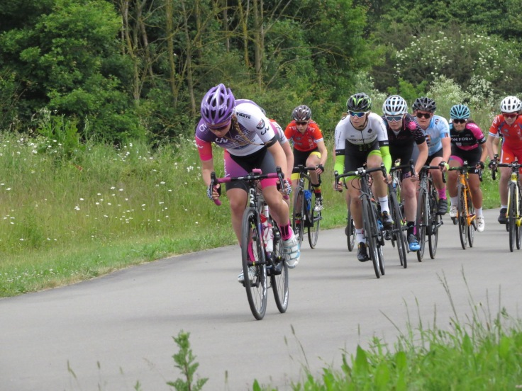 Connie Hayes attacks - Cyclopark Women's Grand Prix 2018 (photo: Phil Moir)