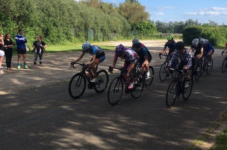 Connie Hayes sprint finish - Corley Cycles Summer Series 9 2018