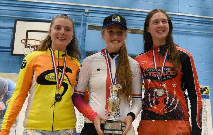 Elizabeth Marvelly - National 25 mile TT Champion (photo - British Cycle Sport)