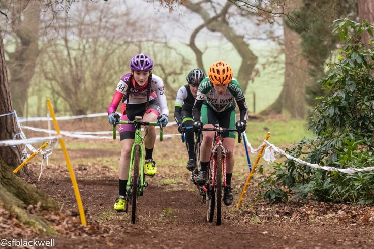 Lauren Higham and Elspeth Grace battle it out at Stow (photo © Simon Blackwell)