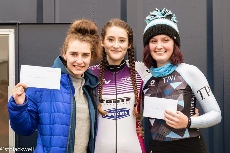 Lauren Higham wins Junior title at Stow (photo © Simon Blackwell)