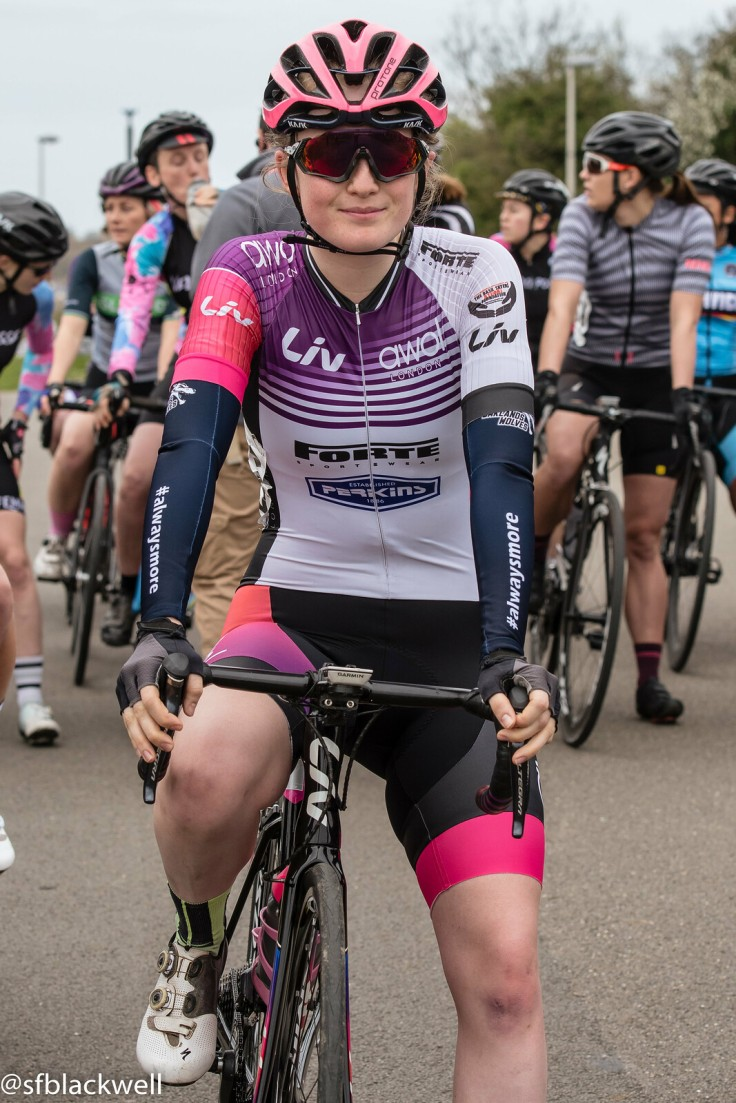 Elizabeth Marvelly at LDN Rapha Crit Series (photo © Simon Blackwell)